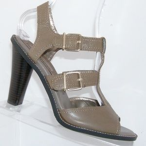 Banana Republic taupe leather t-strap heels 10M